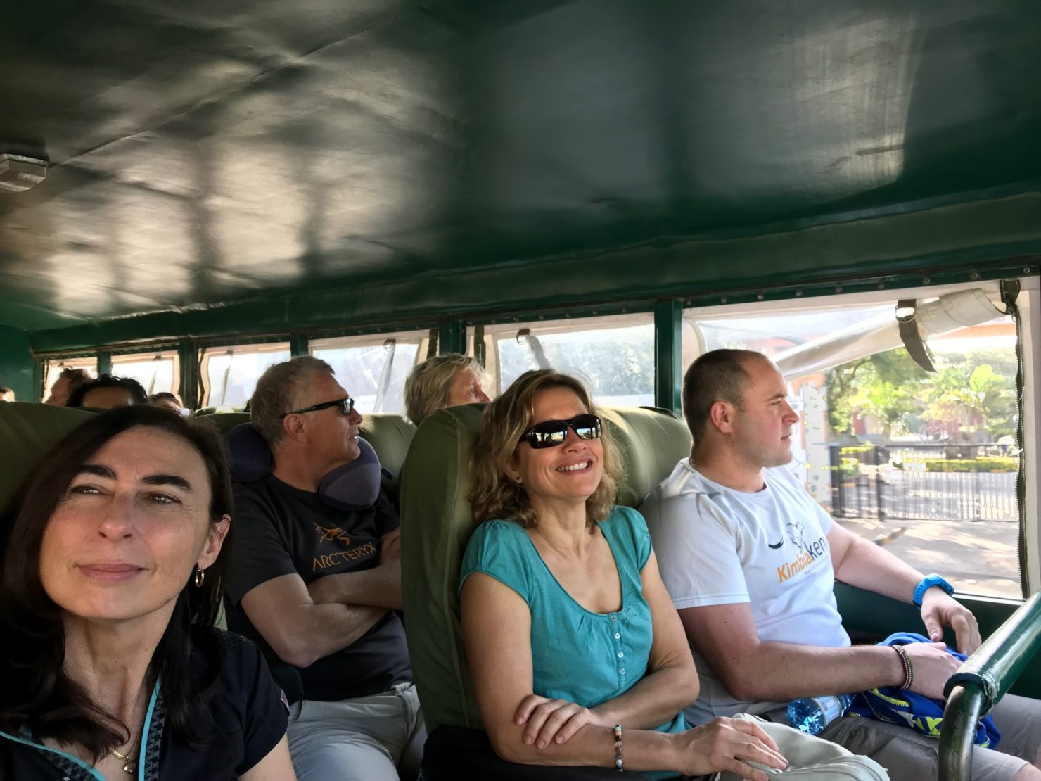 Kimbia kenya trail bus truck