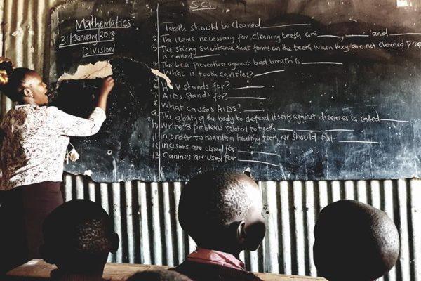 enfants école kenya